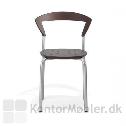 Opus stolen er stødsikker og nem at rengøre