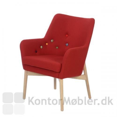 Uni stol med knapper i tilfældige farver. Mønsteret er inspireret af stjernetegnet Carlsvognen