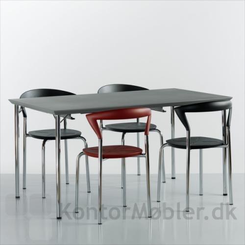 Giv indretningen lidt farve, ved at bestille en af Opus stolene i rød