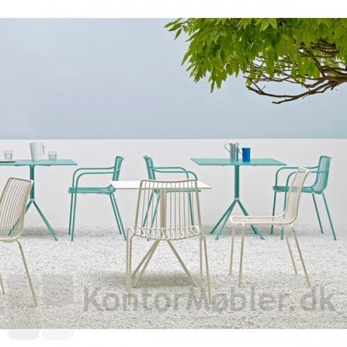 Nolita outdoor stol, kombiner farverne og giv terrassen et frisk look
