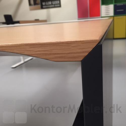 Gavlbordet har en helt unik bordplade, som passer specielt til gavlen