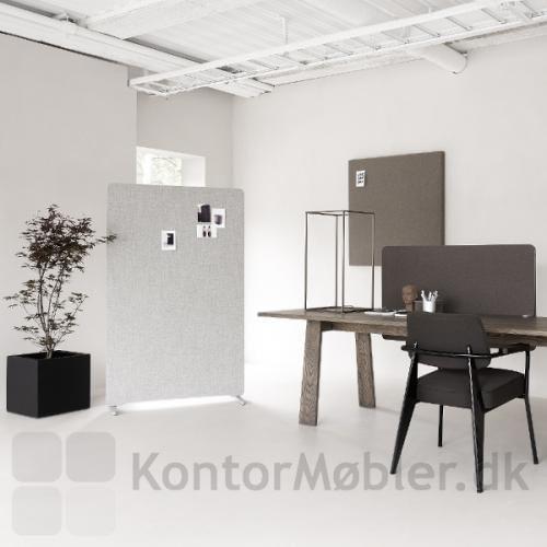 Edge gulvskærm kombineret med bordskærm og vægelement