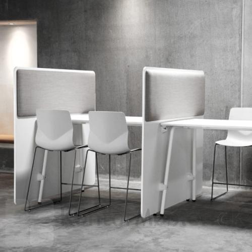 RinR rumdeler fra Four Design, kan dele et større lokale op i små arbejdes stationer