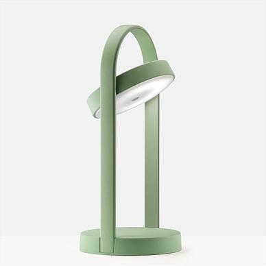 Giravolta bordlampe i grøn, kan bruges inde og ude
